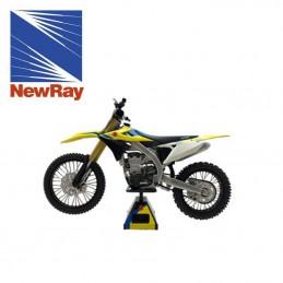 Maquette moto 1/12 ème SUZUKI 450 RMZ